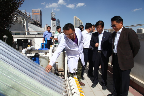 2014-DG visits UNIDO Solar Energy Center in Lanzhou, China _ Flickr - Photo Sharing!.jpg