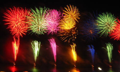 1024px-ColorfulFireworks.png