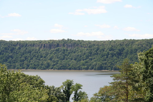 The Palisades cliffs as seen from Mount Saint Vincent College / Paulina Muratore