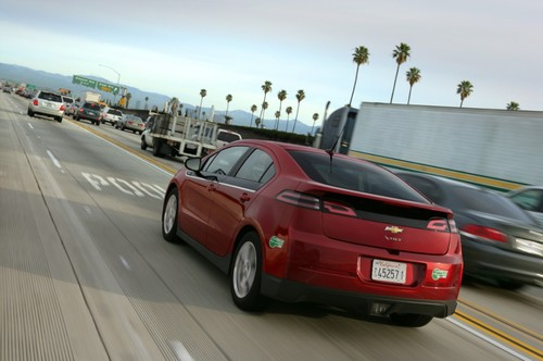 Thumbnail image for 2014-Chevrolet-Volt-008-medium.jpg