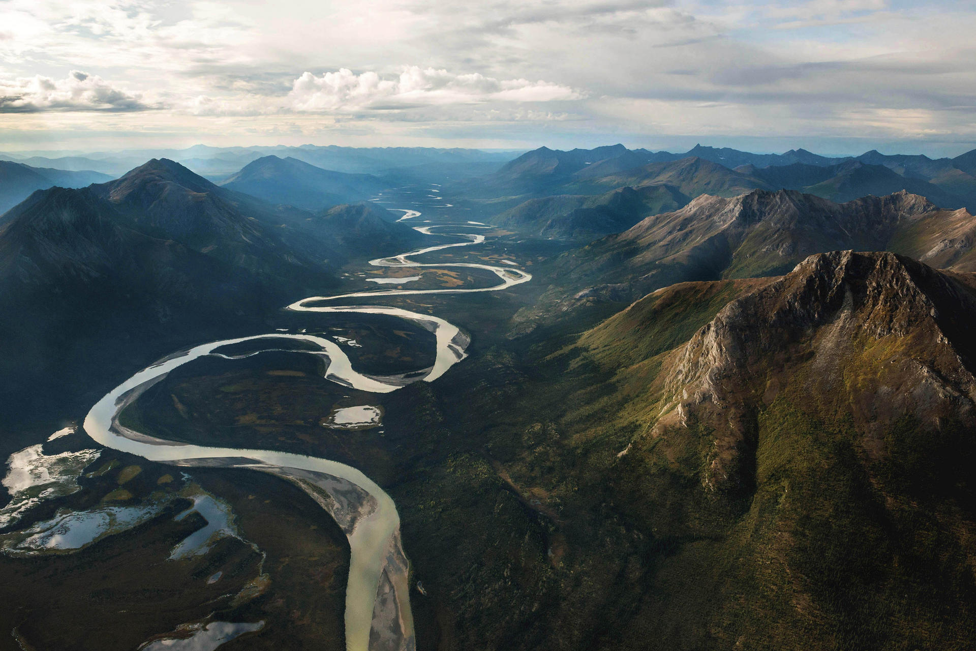 river winding through the mountains