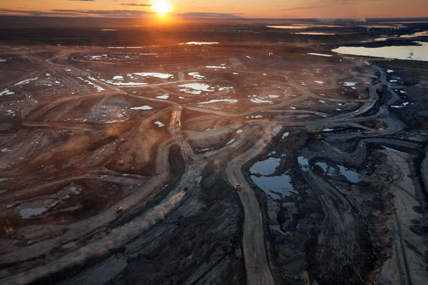 Canadian tar sands mine