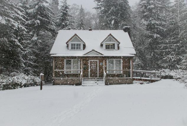 Efficiency and Chill: Winter Tips for Lower Heating Bills