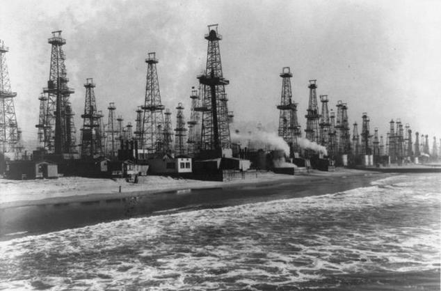 Venice, CA oil wells in the early 20th Century